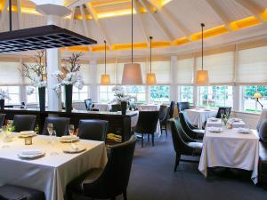 The_Restaurant_Interior0